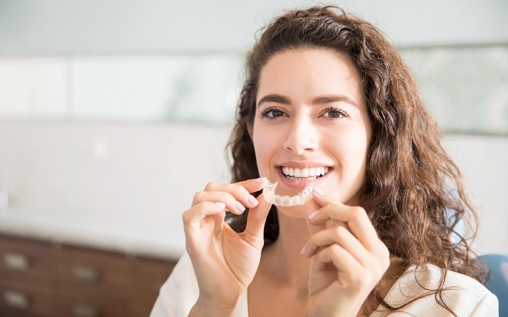 Alignertherapie bei Zahnarzt Schophaus nahe Maulburg